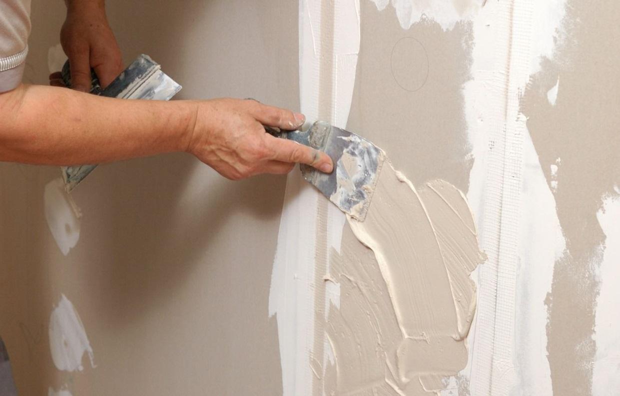 сколько стоит отштукатурить стены под покраску